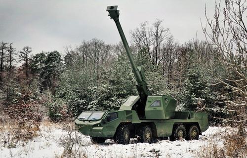 Lựu pháo tự hành bánh lốp DITA cỡ 155 mm của Excalibur Army. Ảnh: Defence Blog.
