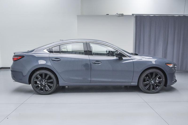 2. Mazda 6 (giá khởi điểm: 25.270 USD).