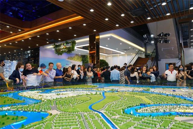 Đồng loạt khởi công dự án hạ tầng giao thông nghìn tỷ, BĐS gần TP Hồ Chí Minh được dự báo sẽ bứt phá - Ảnh 1.