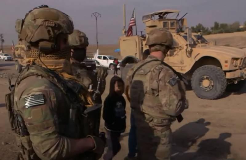 Quân đội Mỹ đã di chuyển từ Iraq tới Syria. Ảnh: Al Masdar News.