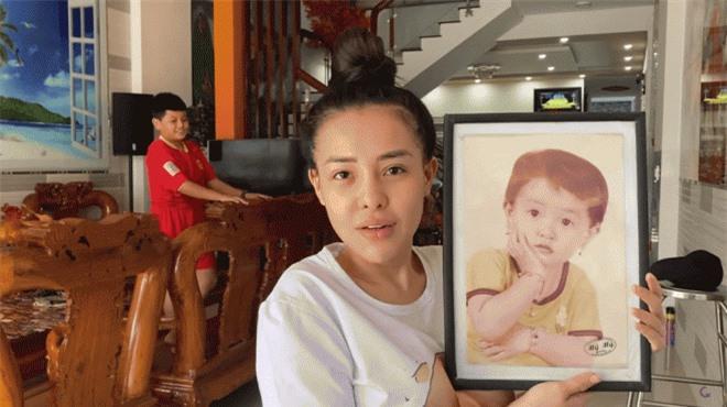 Hot girl Ngân 98 khoe cơ ngơi đồ sộ 8 tầng, giàu nhất thị xã ở quê nhà Bình Định 1