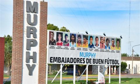 Pochettino và nhiều cầu thủ được làng Murphy vinh danh