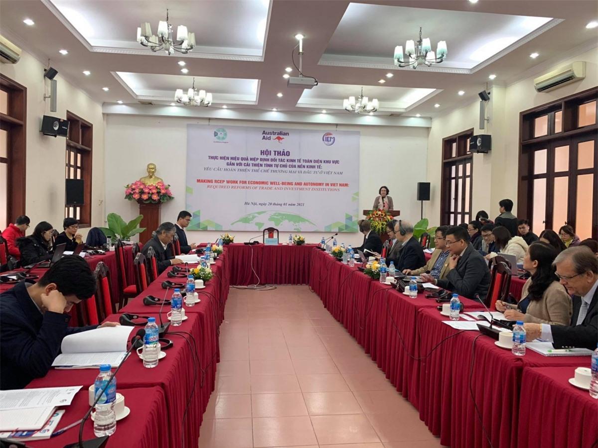Hội thảo do Viện Nghiên cứu Quản lý Kinh tế Trung ương phối hợp với Chương trình Australia Hỗ trợ cải cách kinh tế Việt Nam (Aus4Reform) tổ chức tại Hà Nội vào ngày 20/1/2021.
