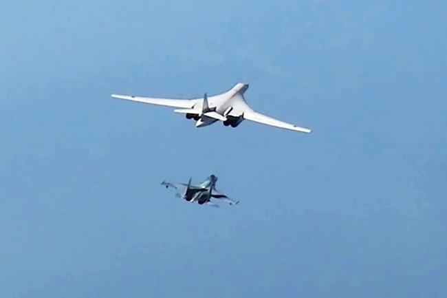 Máy bay ném bom chiến lược siêu thanh Tu-160 của Nga. Ảnh: TASS.