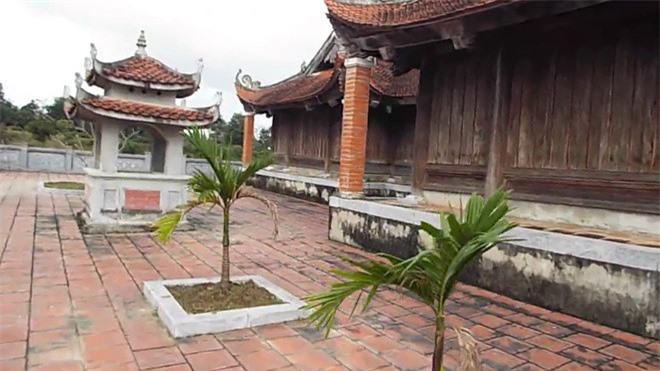 Vua Ham Nghi giau 1.000 thung vang o dau?-Hinh-7