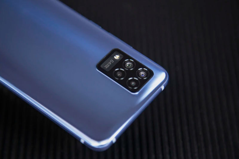 Smartphone 5G, RAM 8 GB, pin 4.000 mAh, màn hình cong, giá hơn 10 triệu đồng