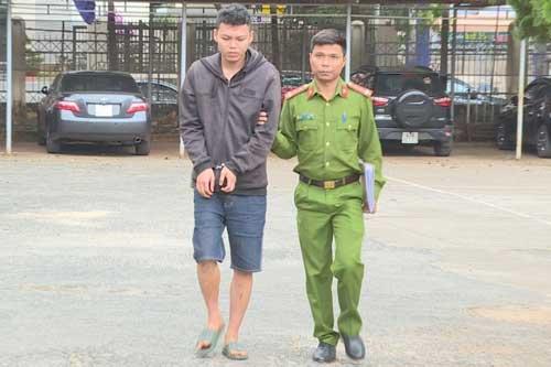 Đắk Lắk: Cầm dao rựa đi giải quyết mâu thuẫn, chém cả lực lượng công an