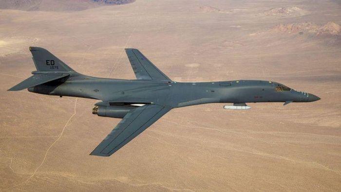 Mỹ đã điều cùng lúc 4 máy bay ném bom chiến lược siêu thanh B-1B Lancer tới sát biên giới Nga. Ảnh: Avia-pro.