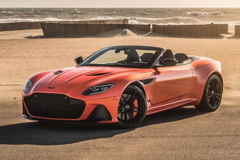 10. Aston Martin DBS Superleggera Volante (giá khởi điểm: 304.995 USD).