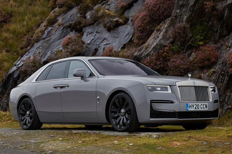 3. Rolls-Royce Ghost (giá khởi điểm: 332.500 USD).