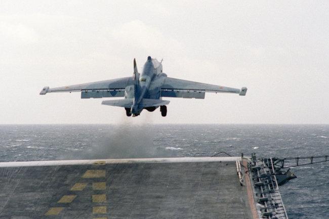 """Báo Mỹ ấn tượng với dự án đóng tàu sân bay """"Varan"""" của Nga"""