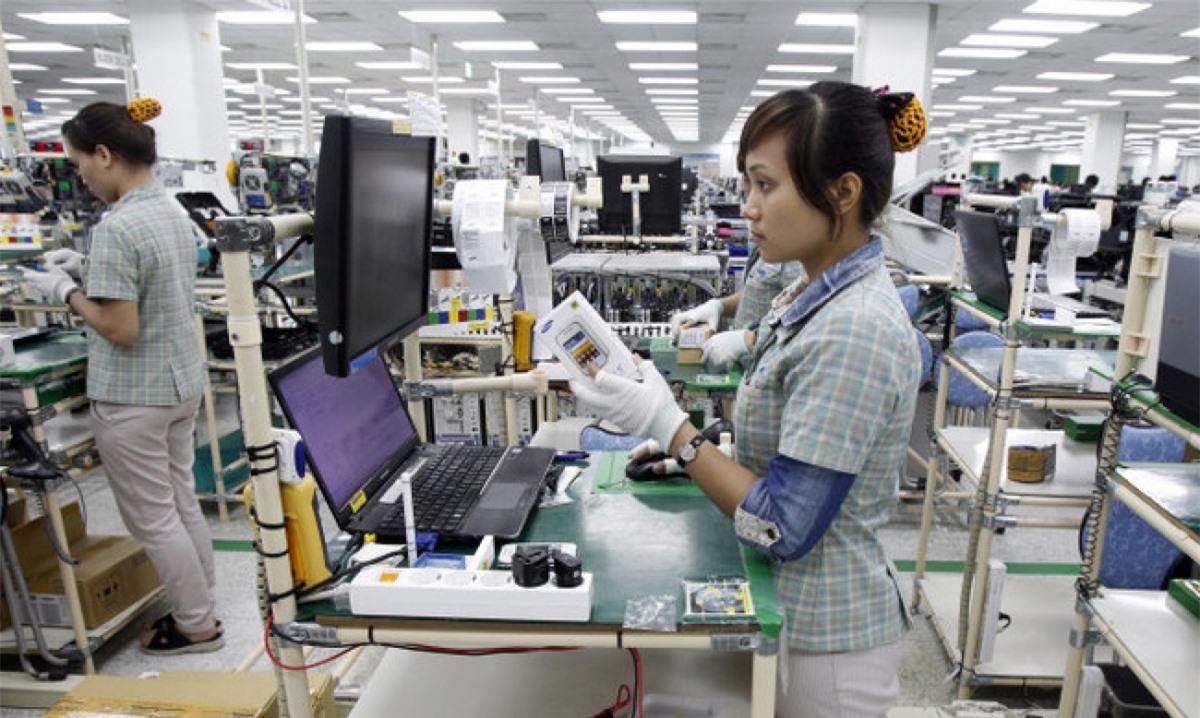 Nhóm hàng đạt được con số tỷ USD là máy móc, thiết bị, dụng cụ phụ tùng với kim ngạch 1,45 tỷ USD, tăng mạnh tới 72% so với cùng kỳ 2020.