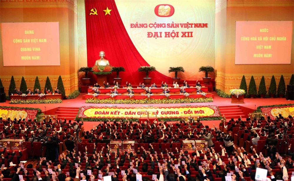 Kinh tế Việt Nam vững vàng vượt sóng lớn: Kỳ tích từ sức mạnh của ý Đảng, lòng dân - Ảnh 6.