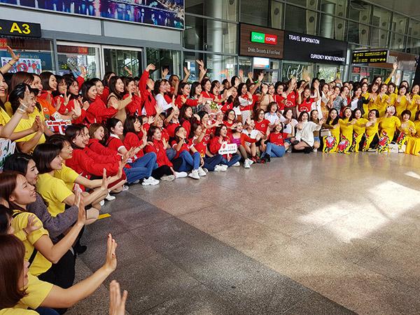 Đoàn du khách MICE của Công ty R&B Việt Nam đến Đà Nẵng sáng 22/01