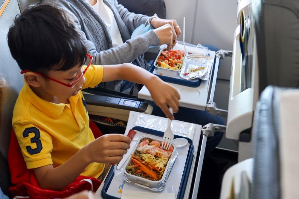 Hành khách bất ngờ khi được trải nghiệm văn hóa ẩm thực ngay trên chuyến bay.