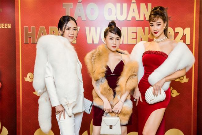 MC Thùy Dương gợi cảm đọ sắc cùng ca sĩ Maya - Ảnh 8.