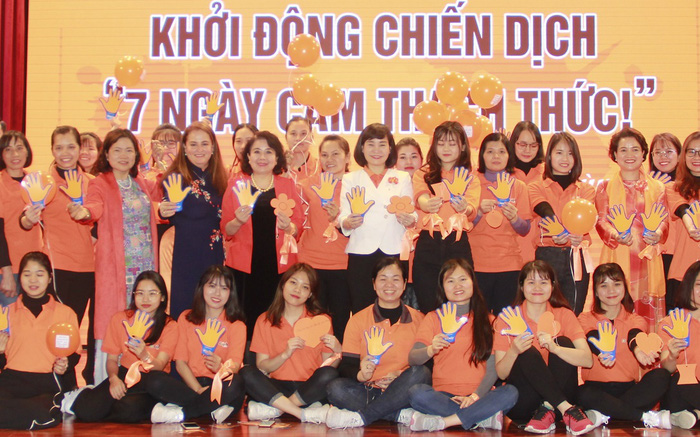 """hát động Chiến dịch """"7 Ngày Cam thách thức!"""", cùng tỏa sáng với màu Cam yêu thương và nói không với bạo lực đối với phụ nữ và trẻ em."""