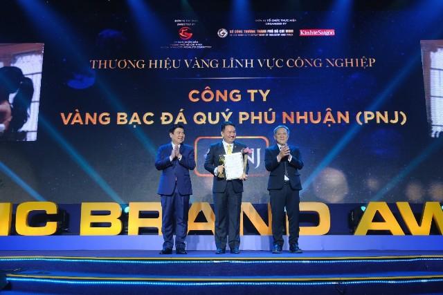 PNJ vinh dự được UBND TP. Hồ Chí Minh trao chứng nhận Thương hiệu vàng