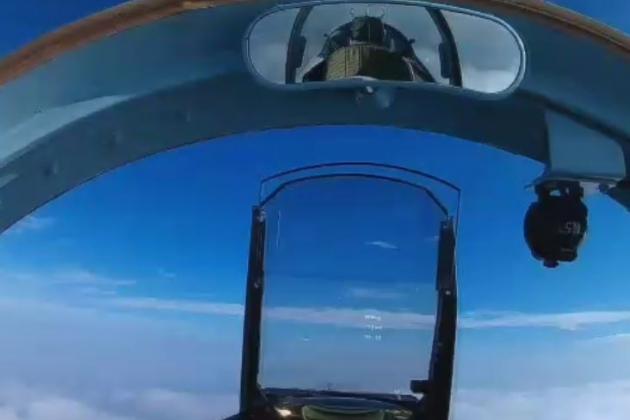 Su-57 có thể dễ dàng đánh bại F-35 trong tình huống đối đầu? Ảnh: Avia-pro.
