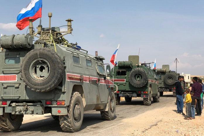 """Trước đó, Nga cũng đã tăng cường hoạt động quân sự ở Syria. leo thang ở Syria có thể gia tăng đáng kể, đặc biệt là sau tuyên bố đầu tiên của Bộ Quốc phòng Mỹ mới về ý định hất cẳng """"người Nga"""" khỏi Trung Đông."""