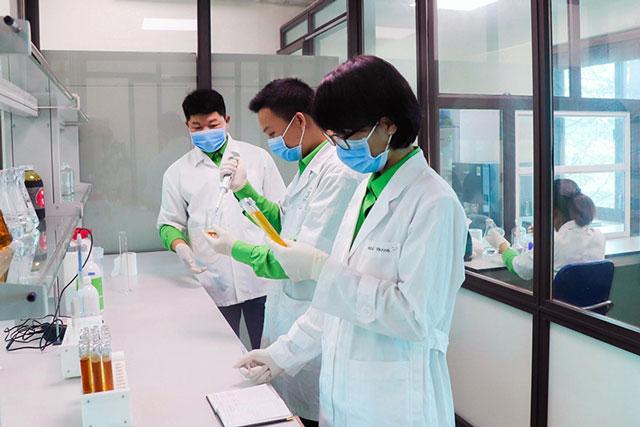 Nghiên cứu và phát triển sản phẩm tại Công ty cổ phần Nông nghiệp Tiến Nông.
