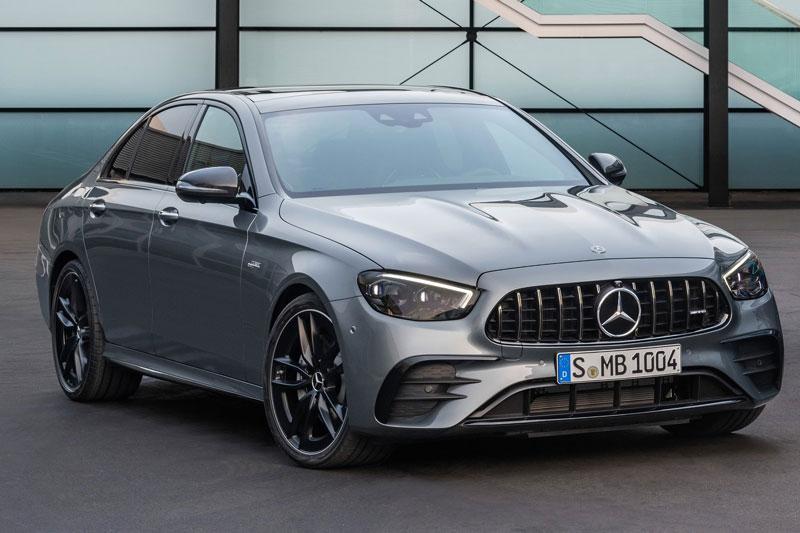 1. Mercedes-AMG E53 2021 (giá khởi điểm: 74.950 USD).