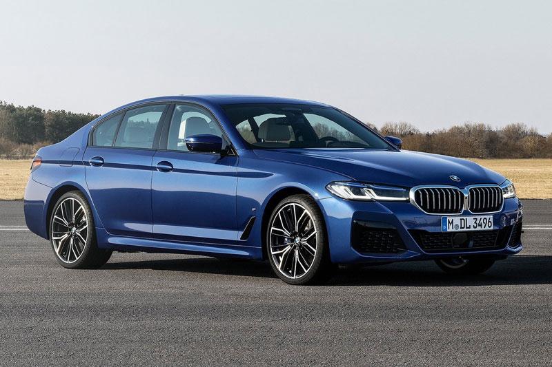 8. BMW 5-Series 2021 (giá khởi điểm: 55.195 USD).