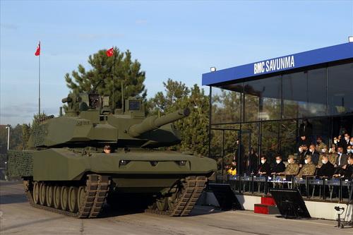 Chiếc xe tăng chiến đấu chủ lực của Thổ Nhĩ Kỳ sử dụng khung gầm Leopard 2A4 và tháp pháo Altay. Ảnh: Defence Blog.