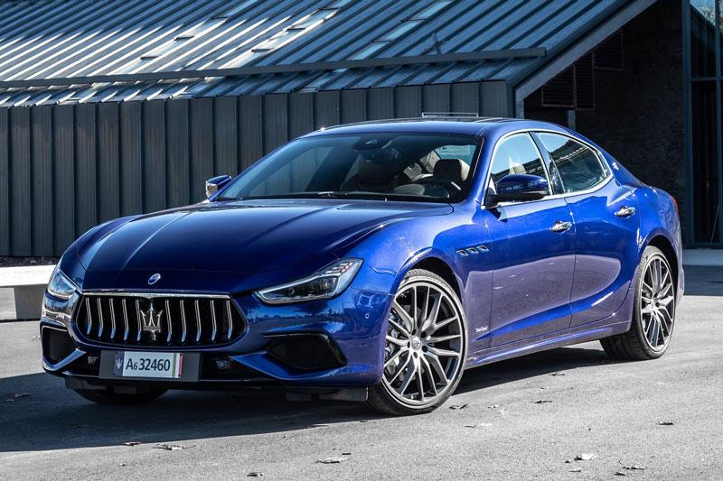 9. Maserati Ghibli 2021 (giá khởi điểm: 73.685 USD).