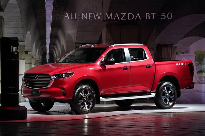 Cận cảnh Mazda BT-50 2021 giá hơn 400 triệu đồng tại Đông Nam Á