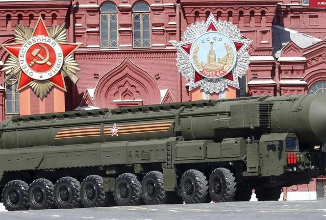 Các hệ thống tên lửa đạn đạo xuyên lục địa (ICBM) di động trên đường bộ, sẽ tiếp tục chiếm vị trí quan trọng trong chiến lược hiện đại hóa hạt nhân của Nga.