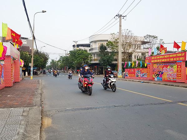 Đà Nẵng: Ra quân ngăn chặn lợi dụng bán hàng rong, ăn xin chèo kéo du khách trong dịp Tết