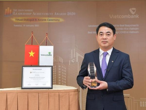 Vietcombank nhận hai giải thưởng danh giá do The Asian Banker trao tặng