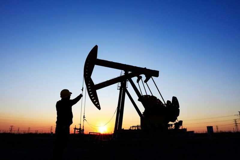 Giá xăng, dầu (25/1): Đầu tuần tăng nhẹ