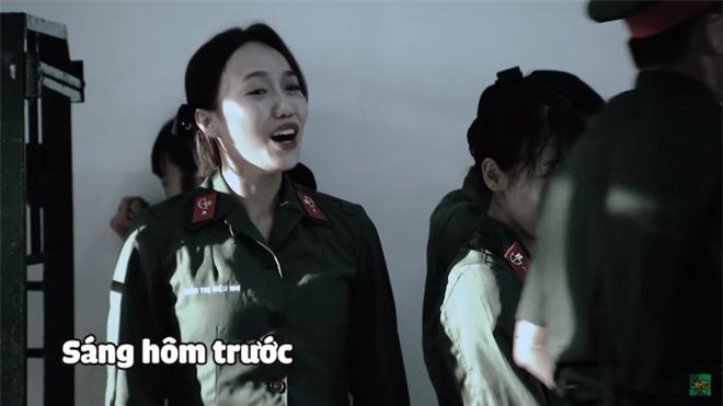 Khánh Vân chuộc lỗi cực dễ thương với Diệu Nhi: Dùng tay không phủi bụi trên giường của đàn chị - Ảnh 4.