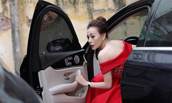 Phương Oanh Quỳnh búp bê tuổi 32 xinh đẹp, nổi tiếng và giàu có - Ảnh 12.