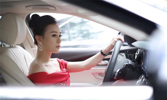 Phương Oanh Quỳnh búp bê tuổi 32 xinh đẹp, nổi tiếng và giàu có - Ảnh 13.