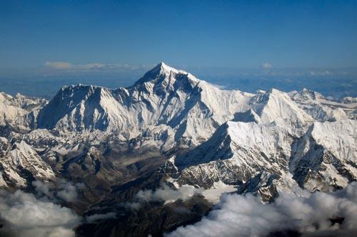 Độ cao đỉnh núi Everest đã thay đổi?