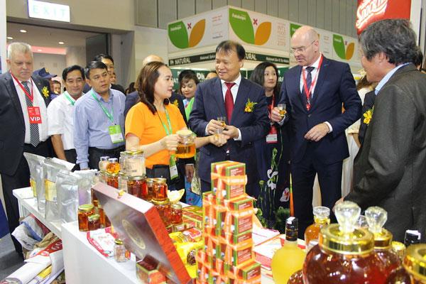 Khẳng định giá trị thương hiệu Việt giữa khó khăn