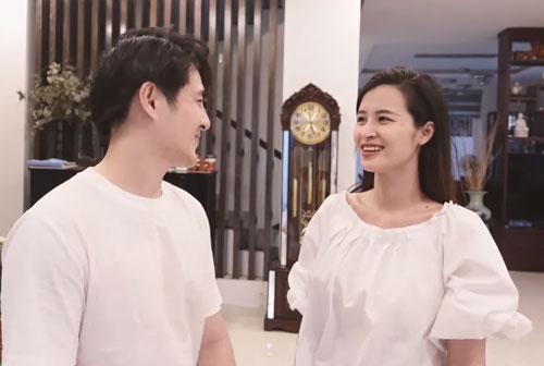 Giữa loạt scandal tình ái của showbiz, vợ chồng Đông Nhi hạnh phúc khoe biệt thự 20 tỷ