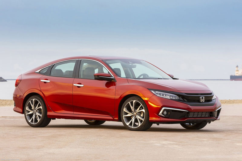 =3. Honda Civic 2021 (điểm tổng thể: 4,7/5).