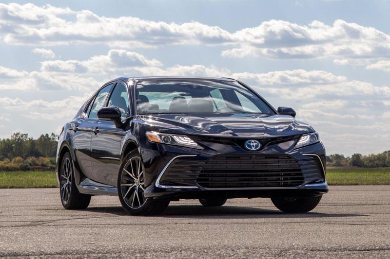7. Toyota Camry 2021 (điểm tổng thể: 4,6/5).