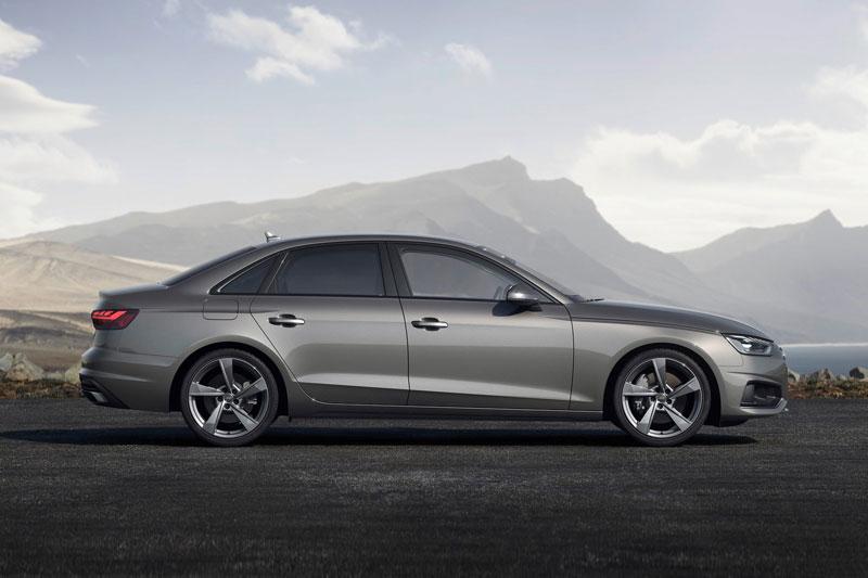 =8. Audi A4 2021 (điểm tổng thể: 4,5/5).