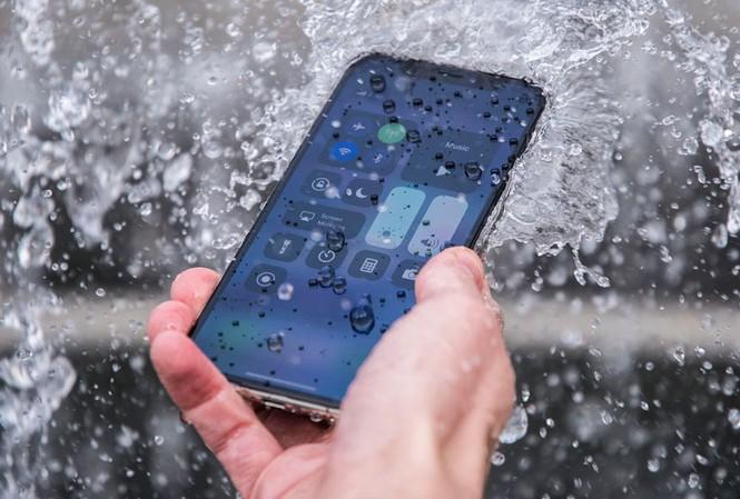 Hướng dẫn kiểm tra khả năng chống nước trên iPhone