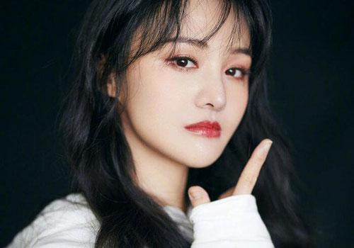 """Goo Hye Sun và Trịnh Sảng được gọi tên """"gương mặt vàng"""" trong làng """"giả nai"""" sau biến căng với tình cũ"""