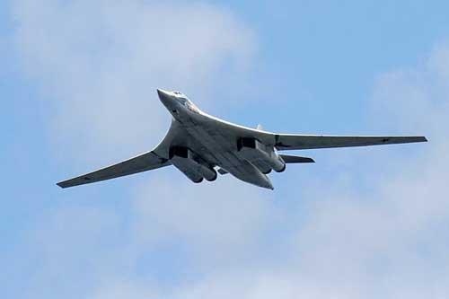 Máy bay ném bom chiến lược siêu thanh Tu-160M của Nga đang được nâng cấp, hiện đại hóa (Ảnh: Sputnik).