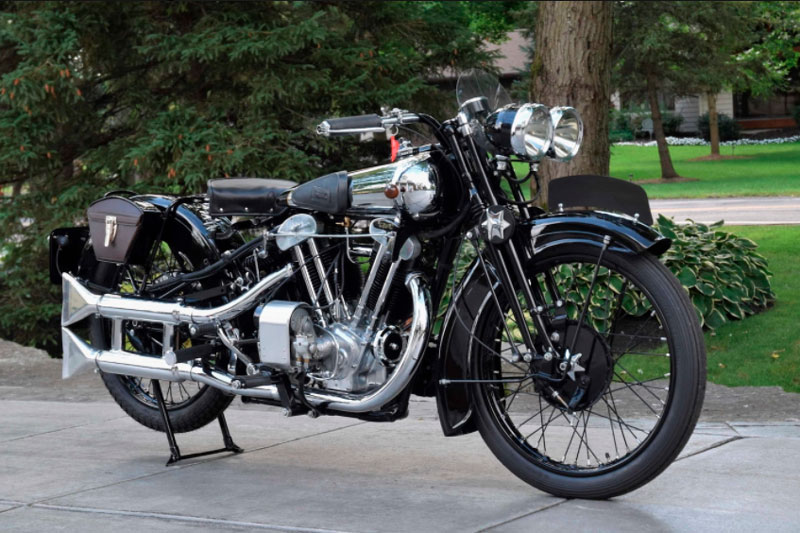 6. Brough Superior SS100 1930 (giá: 542,500 USD).