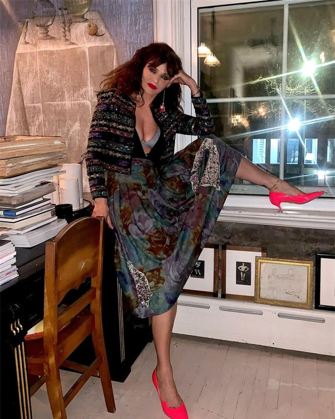 Siêu mẫu Helena Christensen 52 tuổi vẫn sở hữu hình thể 'bốc lửa' đáng ghen tỵ - ảnh 4