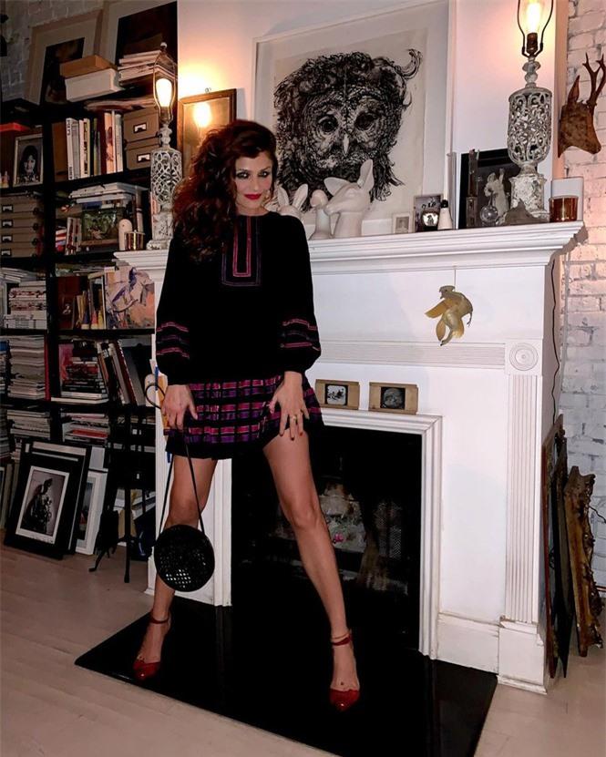 Siêu mẫu Helena Christensen 52 tuổi vẫn sở hữu hình thể 'bốc lửa' đáng ghen tỵ - ảnh 5