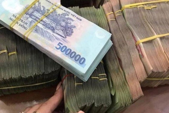 'Soi' lương và thưởng Tết của nhân viên ngân hàng